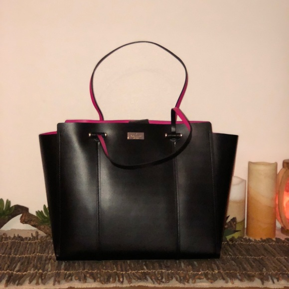 kate spade Handbags - 🔥HP🔥 price is firm🔥Kate Spade Large Tote🔥